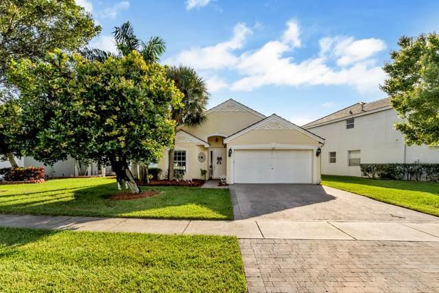 101 Canterbury Place, Royal Palm Beach, FL 33414 (MLS #RX-10663278) :: Laurie Finkelstein Reader Team