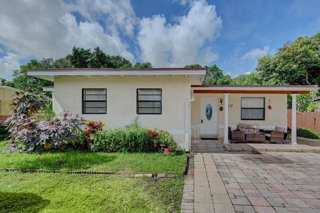1131 NW 17th Avenue, Fort Lauderdale, FL 33311 (MLS #RX-10664492) :: Castelli Real Estate Services