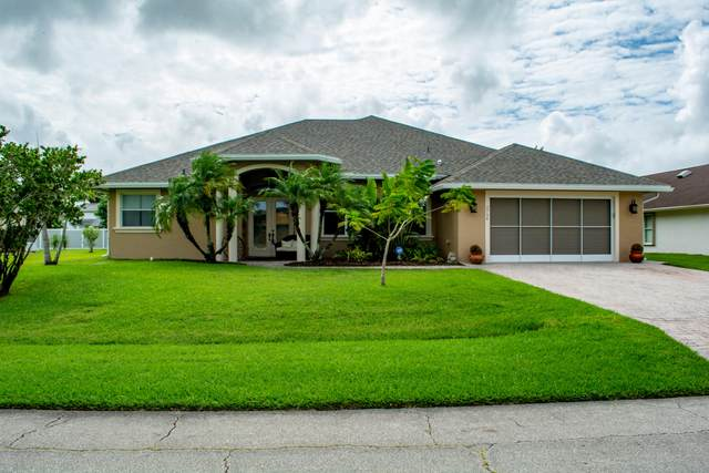 2734 SW Hamilton Avenue, Port Saint Lucie, FL 34987 (#RX-10665857) :: Signature International Real Estate