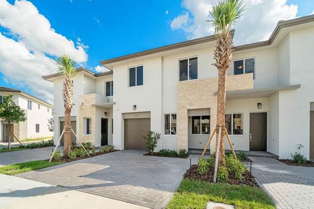 420 Pioneer Way, Royal Palm Beach, FL 33411 (#RX-10665974) :: Signature International Real Estate