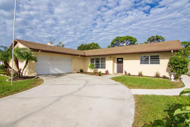 513 SE Brookside Terrace, Port Saint Lucie, FL 34983 (#RX-10666030) :: The Rizzuto Woodman Team