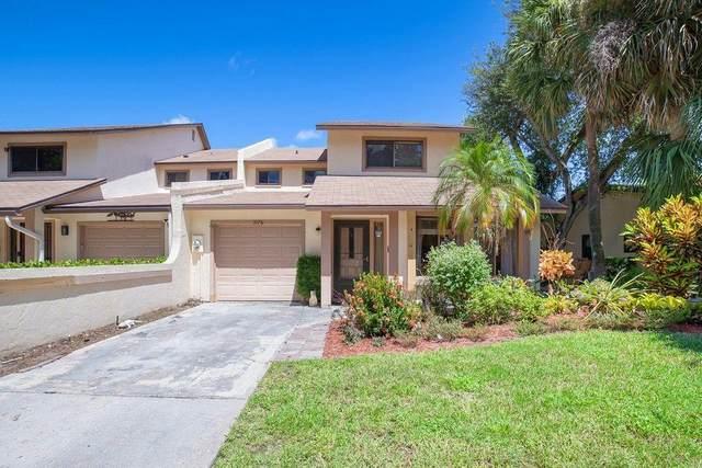 1076 Raintree Lane, Palm Beach Gardens, FL 33410 (#RX-10666433) :: Manes Realty Group