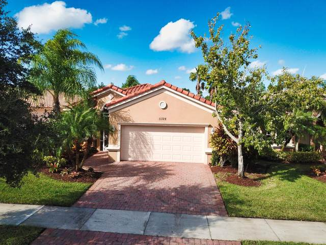11328 SW Birch Tree Circle, Port Saint Lucie, FL 34987 (MLS #RX-10667936) :: Laurie Finkelstein Reader Team
