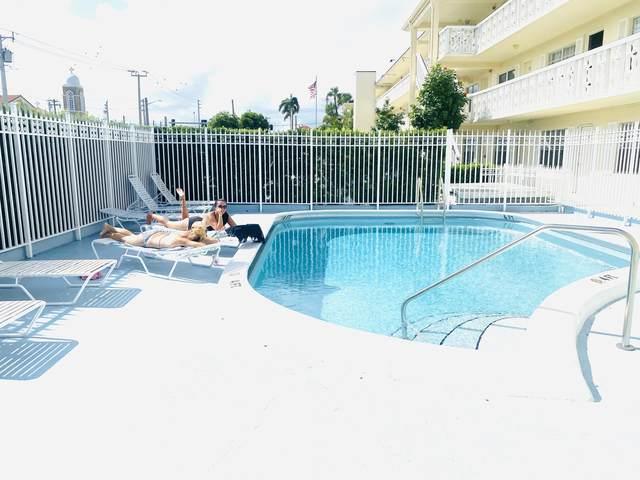 3915 S Flagler Drive #220, West Palm Beach, FL 33405 (MLS #RX-10668482) :: Berkshire Hathaway HomeServices EWM Realty