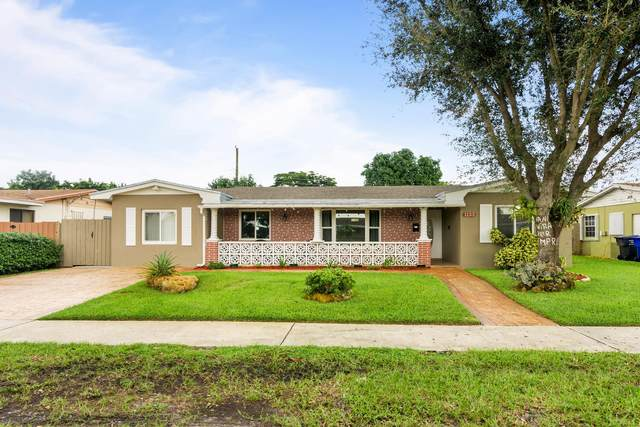 1133 N 76th Terrace, Hollywood, FL 33024 (MLS #RX-10671601) :: Laurie Finkelstein Reader Team