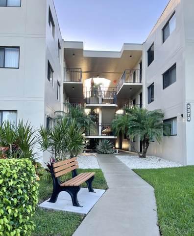 5370 Las Verdes Circle #219, Delray Beach, FL 33484 (#RX-10672107) :: Posh Properties