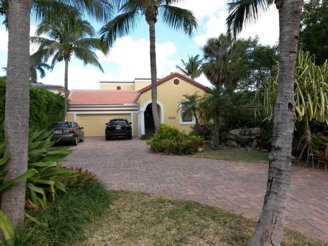 1724 N Lakeside Drive, Lake Worth Beach, FL 33460 (#RX-10672588) :: The Rizzuto Woodman Team