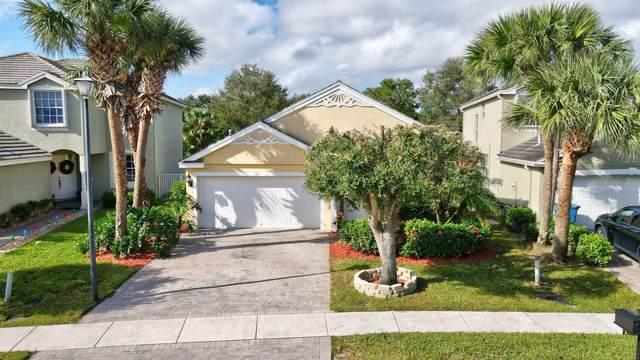 121 Hamilton Terrace, Royal Palm Beach, FL 33414 (MLS #RX-10674272) :: Laurie Finkelstein Reader Team