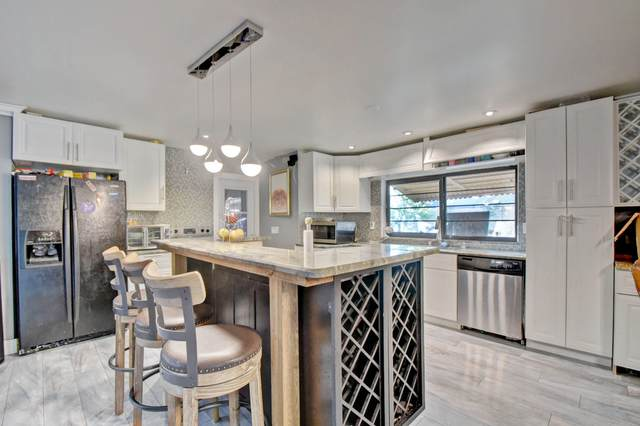 8867 SW 9th Street, Boca Raton, FL 33433 (MLS #RX-10674305) :: Miami Villa Group