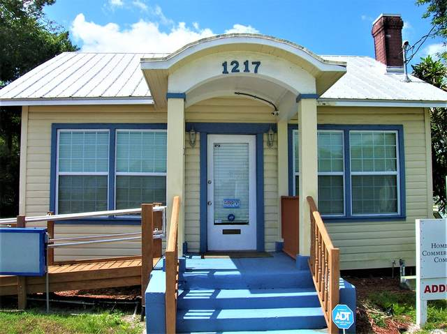 1217 Delaware Avenue, Fort Pierce, FL 34950 (MLS #RX-10674449) :: The Jack Coden Group