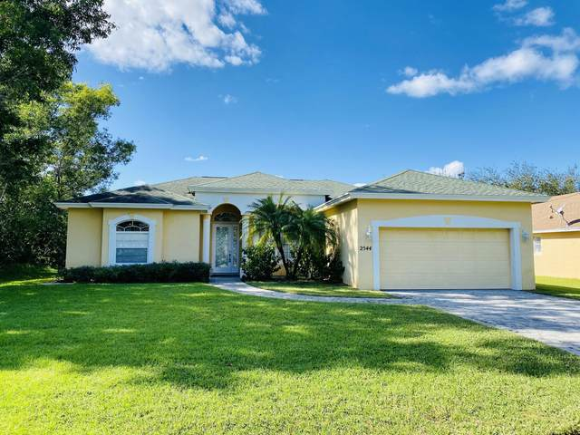 2544 SE West Blackwell Drive, Port Saint Lucie, FL 34952 (#RX-10674494) :: The Power of 2 | Century 21 Tenace Realty