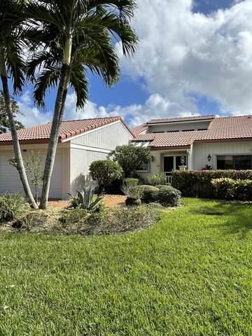 28 Glens Drive W, Boynton Beach, FL 33436 (MLS #RX-10674628) :: Laurie Finkelstein Reader Team