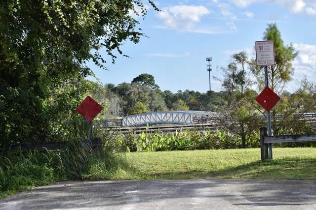 5063 SE Grouper Avenue, Stuart, FL 34997 (#RX-10675264) :: Ryan Jennings Group