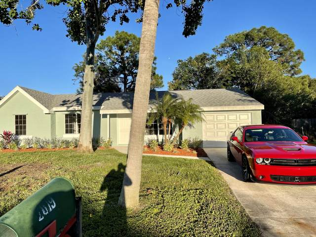 2019 SE Parkwood Circle, Port Saint Lucie, FL 34952 (#RX-10675467) :: Ryan Jennings Group
