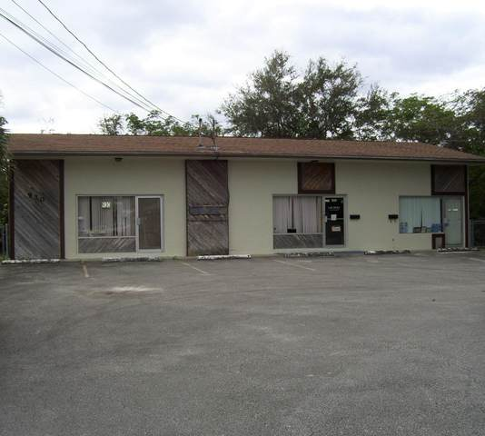 930 NE Jensen Beach Boulevard, Jensen Beach, FL 34957 (#RX-10675645) :: Realty One Group ENGAGE