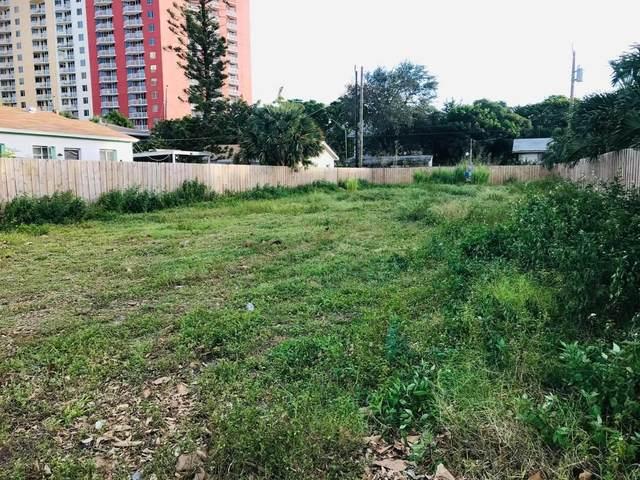 320 N Lakeside Court, West Palm Beach, FL 33407 (#RX-10675785) :: Posh Properties