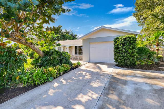 2585 SW 10th Circle, Boynton Beach, FL 33426 (MLS #RX-10676992) :: Laurie Finkelstein Reader Team