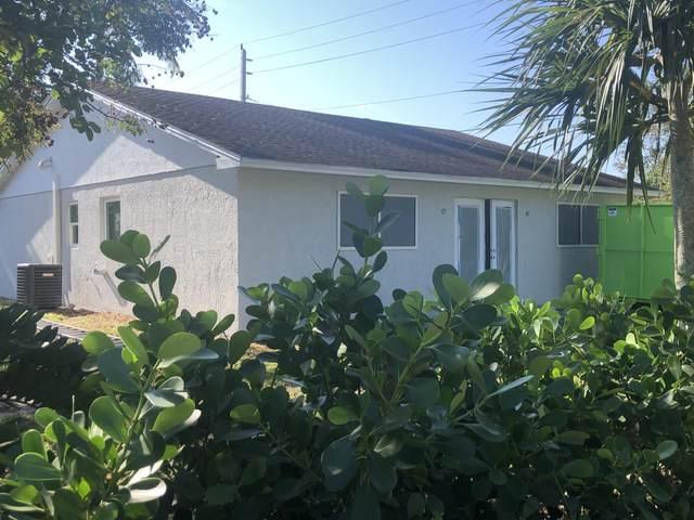3014 SE Indian Street, Stuart, FL 34997 (MLS #RX-10677024) :: Miami Villa Group