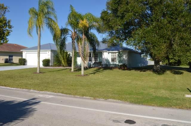 1543 SE Westmoreland Boulevard, Port Saint Lucie, FL 34952 (MLS #RX-10677220) :: Laurie Finkelstein Reader Team