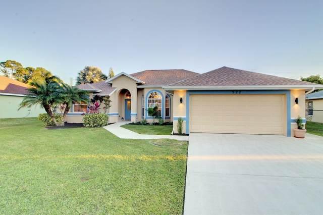 522 SE Wallace Terrace, Port Saint Lucie, FL 34983 (MLS #RX-10677376) :: Laurie Finkelstein Reader Team