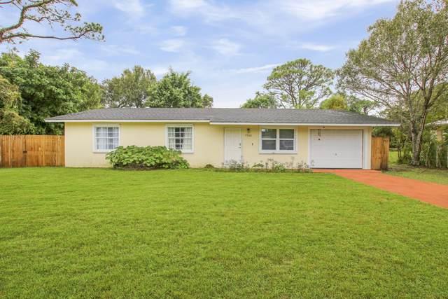 7705 Holopaw Avenue, Fort Pierce, FL 34951 (MLS #RX-10679129) :: Laurie Finkelstein Reader Team