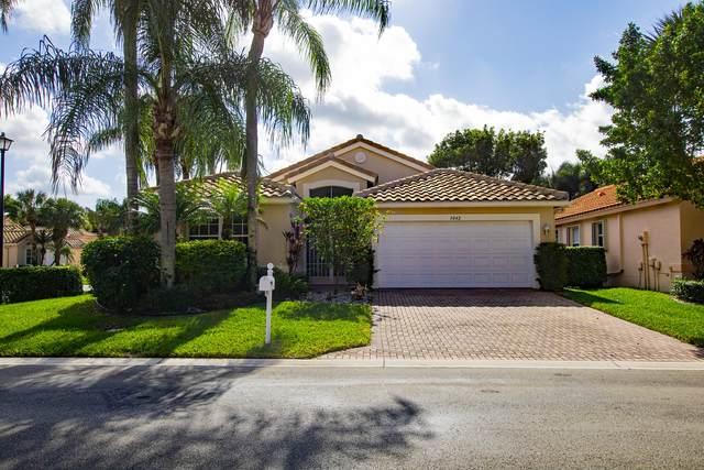 5042 Glenville Drive, Boynton Beach, FL 33437 (MLS #RX-10679636) :: Miami Villa Group