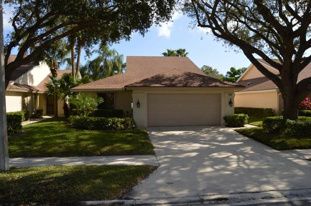 313 Leeward Drive, Jupiter, FL 33477 (MLS #RX-10679679) :: THE BANNON GROUP at RE/MAX CONSULTANTS REALTY I