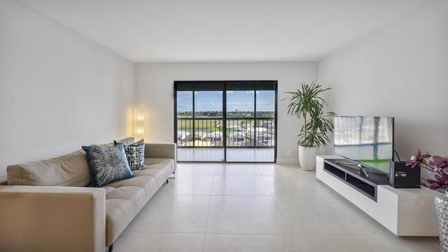 7260 Kinghurst Drive #802, Delray Beach, FL 33446 (#RX-10679715) :: Signature International Real Estate