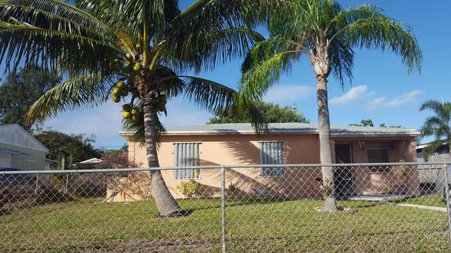 1401 S B Street, Lake Worth Beach, FL 33460 (MLS #RX-10681671) :: Laurie Finkelstein Reader Team