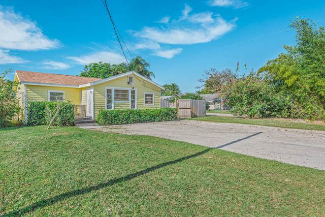 3268 SE Golden Gate Avenue, Stuart, FL 34997 (#RX-10682075) :: Posh Properties