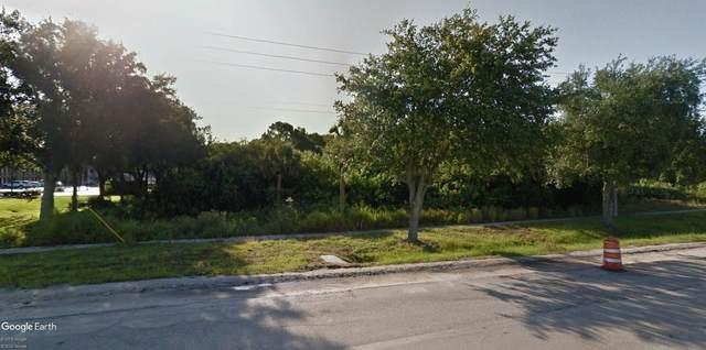 3238 S Us  1 Highway, Fort Pierce, FL 34982 (MLS #RX-10682770) :: Laurie Finkelstein Reader Team