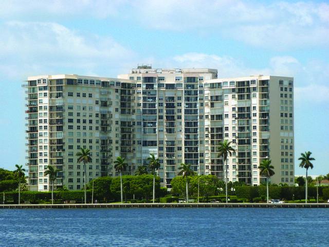 1801 S Flagler Drive #1109, West Palm Beach, FL 33401 (#RX-10683881) :: The Rizzuto Woodman Team