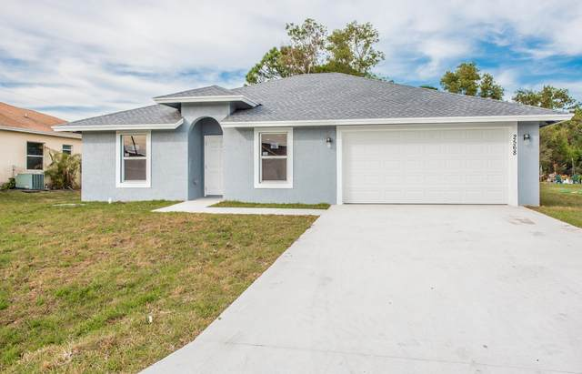 2568 SE Robin Circle, Port Saint Lucie, FL 34952 (MLS #RX-10684850) :: THE BANNON GROUP at RE/MAX CONSULTANTS REALTY I