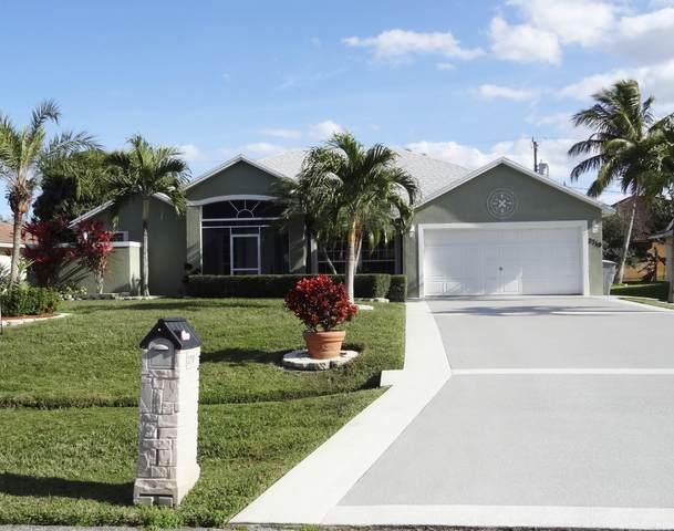 2719 SE Fall Street, Port Saint Lucie, FL 34984 (MLS #RX-10685160) :: Miami Villa Group