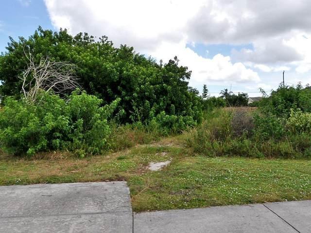 865 SW Bayshore Boulevard, Port Saint Lucie, FL 34983 (MLS #RX-10686088) :: Laurie Finkelstein Reader Team