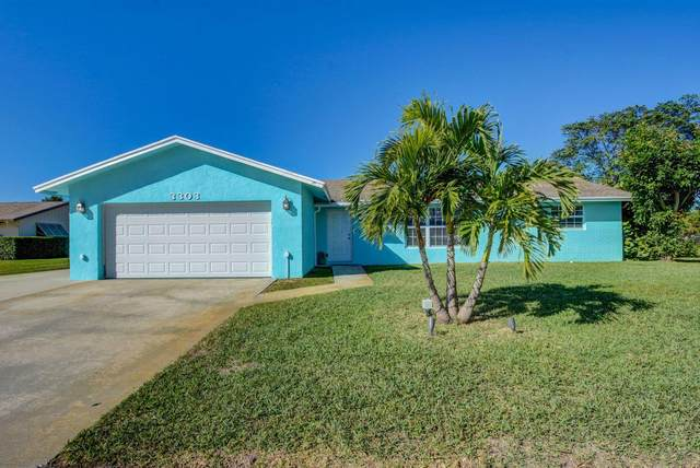 3303 Pebble Beach Drive, Lake Worth, FL 33467 (#RX-10686222) :: Treasure Property Group