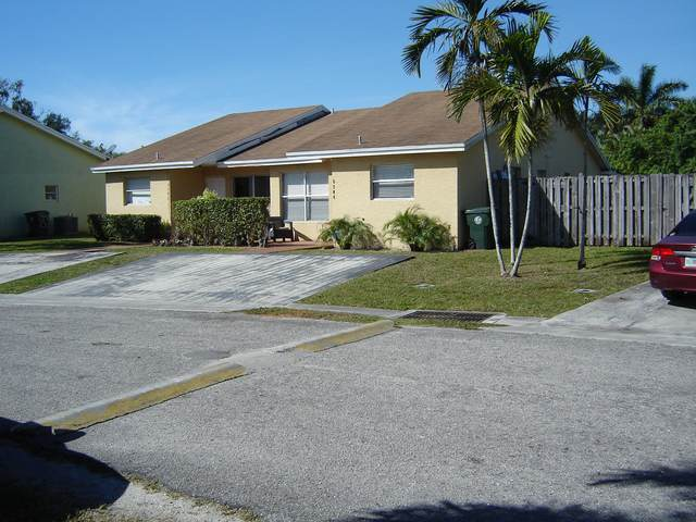 3704 Mil Lake Circle, Greenacres, FL 33463 (MLS #RX-10686475) :: Castelli Real Estate Services