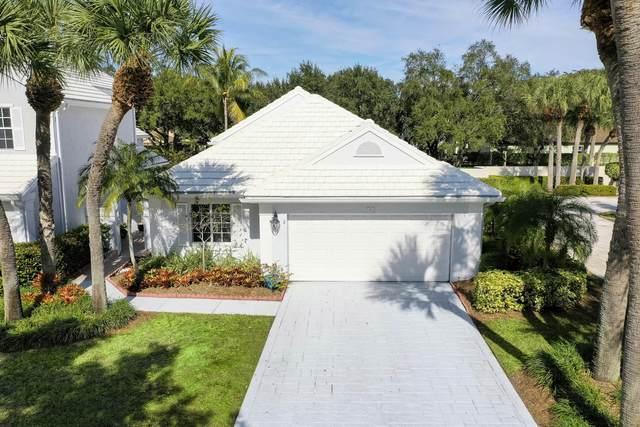 2 Hampton Court, Palm Beach Gardens, FL 33418 (MLS #RX-10686504) :: Berkshire Hathaway HomeServices EWM Realty