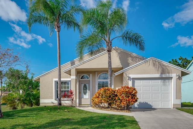 5830 SE Mitzi Lane, Stuart, FL 34997 (MLS #RX-10686665) :: The Jack Coden Group
