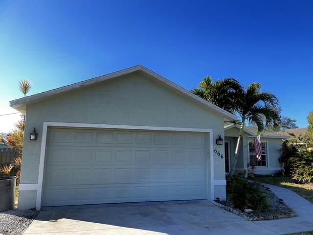 666 SE Tanner Avenue, Port Saint Lucie, FL 34984 (MLS #RX-10686770) :: Laurie Finkelstein Reader Team