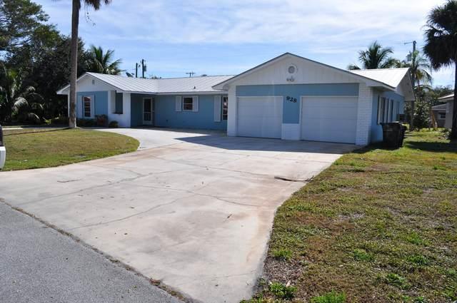 928 SE Weir Street, Stuart, FL 34994 (#RX-10686802) :: The Rizzuto Woodman Team