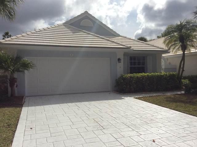 3 Blenheim Court, Palm Beach Gardens, FL 33418 (MLS #RX-10687306) :: Laurie Finkelstein Reader Team