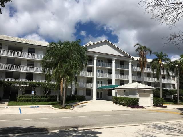 3626 Whitehall Drive #305, West Palm Beach, FL 33401 (#RX-10688920) :: The Rizzuto Woodman Team