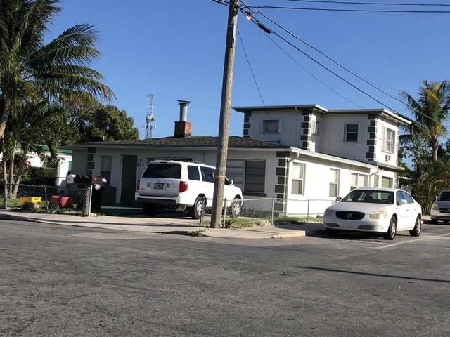 825 Truman Avenue, Lake Worth Beach, FL 33460 (#RX-10689302) :: Posh Properties