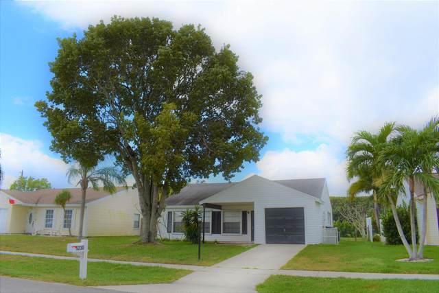 5230 Canal Circle W, Lake Worth, FL 33467 (MLS #RX-10694722) :: Berkshire Hathaway HomeServices EWM Realty