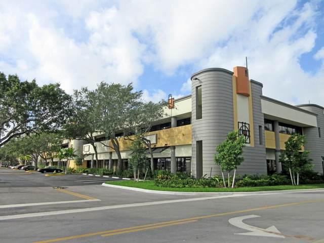 550 Fairway Drive #207, Deerfield Beach, FL 33441 (MLS #RX-10694894) :: United Realty Group
