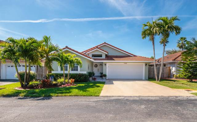 19050 NW 85th Court, Hialeah, FL 33015 (#RX-10694991) :: Realty One Group ENGAGE