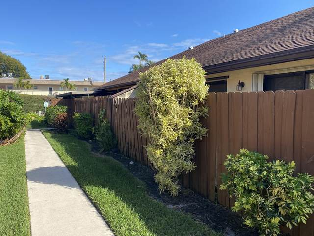 452 Springdale Circle, Palm Springs, FL 33461 (MLS #RX-10695113) :: Castelli Real Estate Services