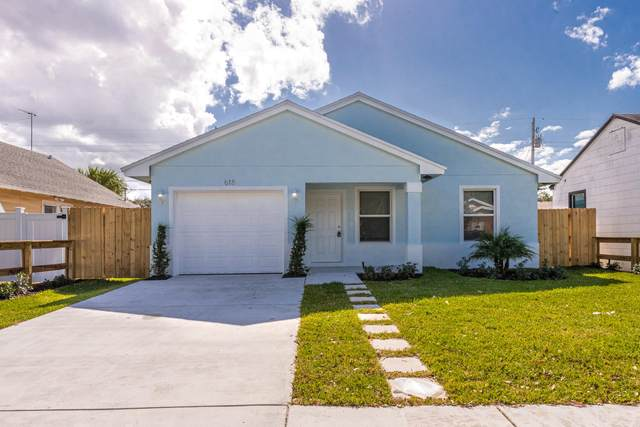 860 Dr Martin Luther King Jr Boulevard, Riviera Beach, FL 33404 (#RX-10695860) :: Posh Properties
