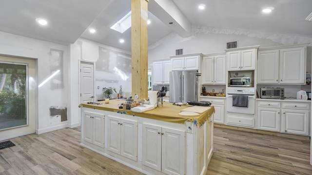 9726 Mockingbird Trail, Jupiter, FL 33478 (#RX-10695911) :: Signature International Real Estate